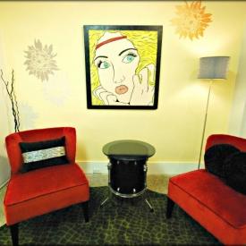 make-me-pretty-hair-salon-lounge-area
